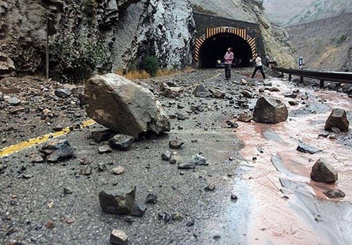 هشدار سیلاب و ریزش سنگ در جادههای کوهستانی ۸ استان