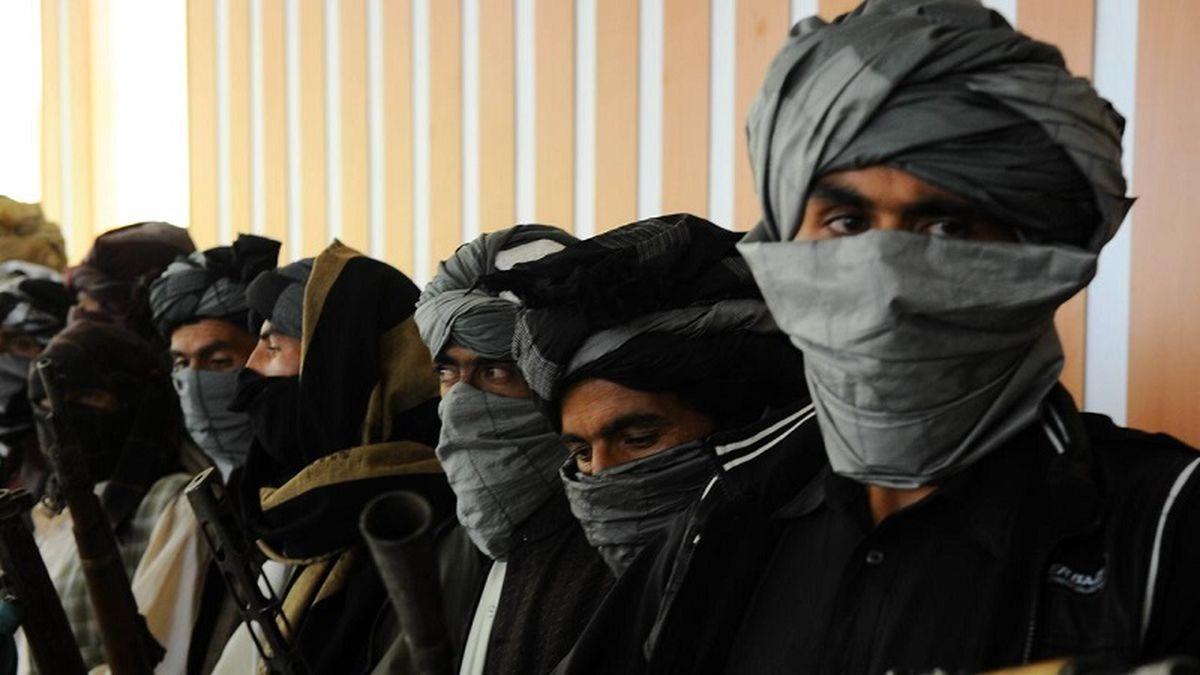 هواپیما ربایی در افغانستان/ آیا پای طالبان در میان هست؟