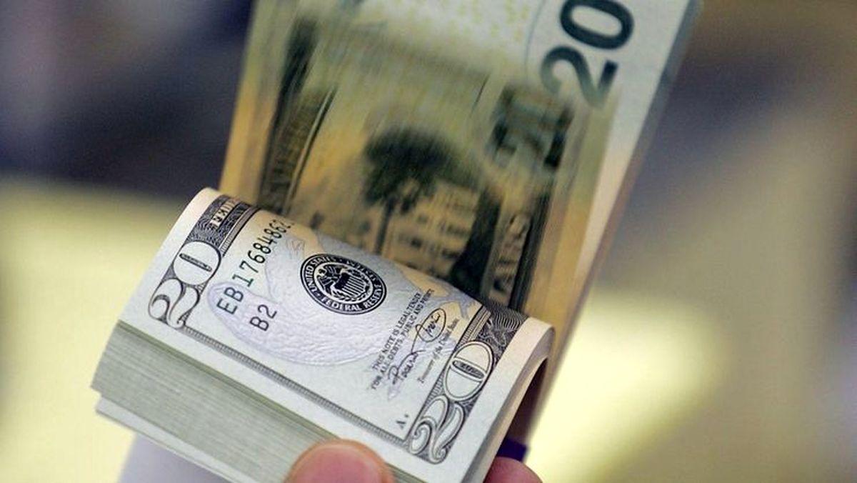 قیمت دلار امروز جمعه چقدر شد؟